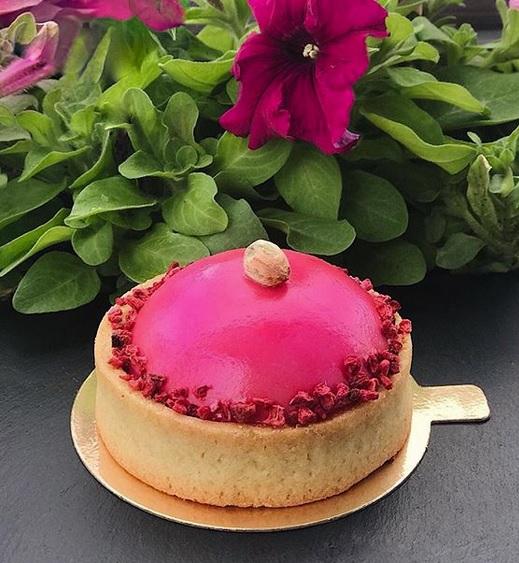 За вкусными десертами в «Вишенка на торте»🍒