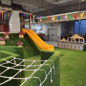 Детская площадка в ТК Долгоозерный