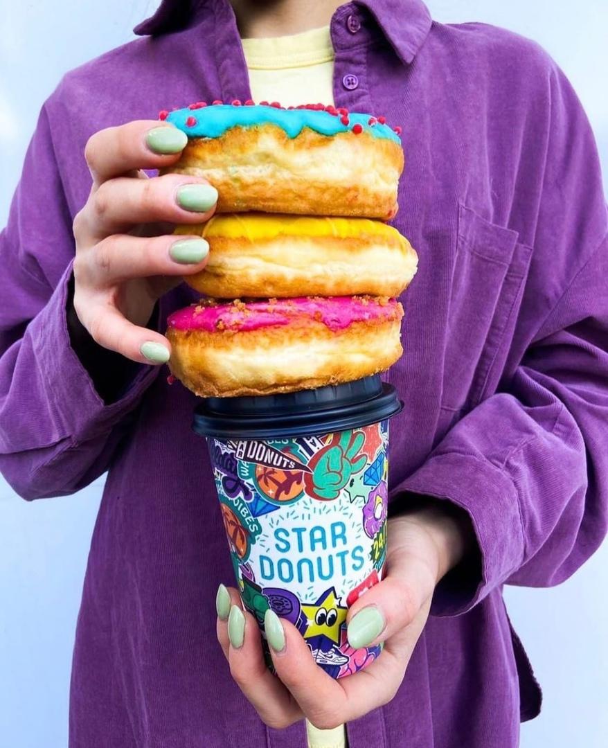 Яркие и нежные пончики Star Donuts